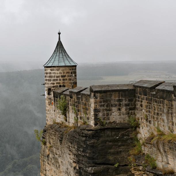 Ne construisez pas une forteresse pour vous protéger car l'isolement est dangereux