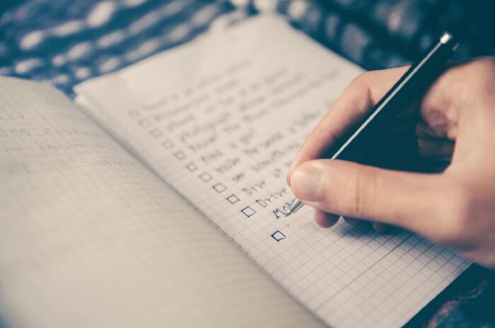 Préparer une liste de 5 tâches pour le lendemain est une bonne habitude pour augmenter sa productivité