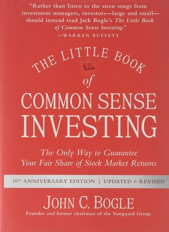 The Little Book of Common Sense Investing de John Bogle est un des 10 livres fortement recommandés par Warren Buffett