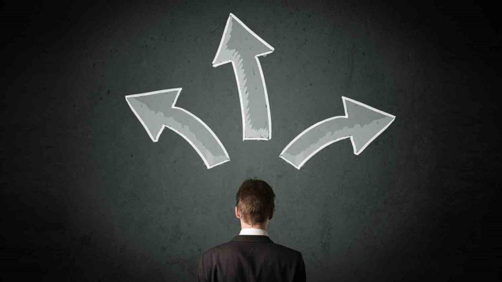 Se disperser dans de trop nombreuses directions fait partie des mauvaises habitudes à éviter pour réaliser de grandes choses